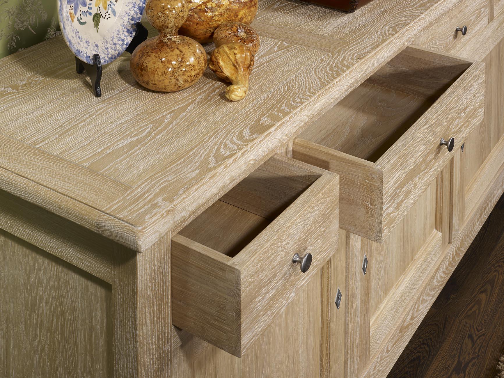 meuble en ch ne buffet nicolas r alis en ch ne massif de style campagnard 3 portes 4 tiroirs. Black Bedroom Furniture Sets. Home Design Ideas
